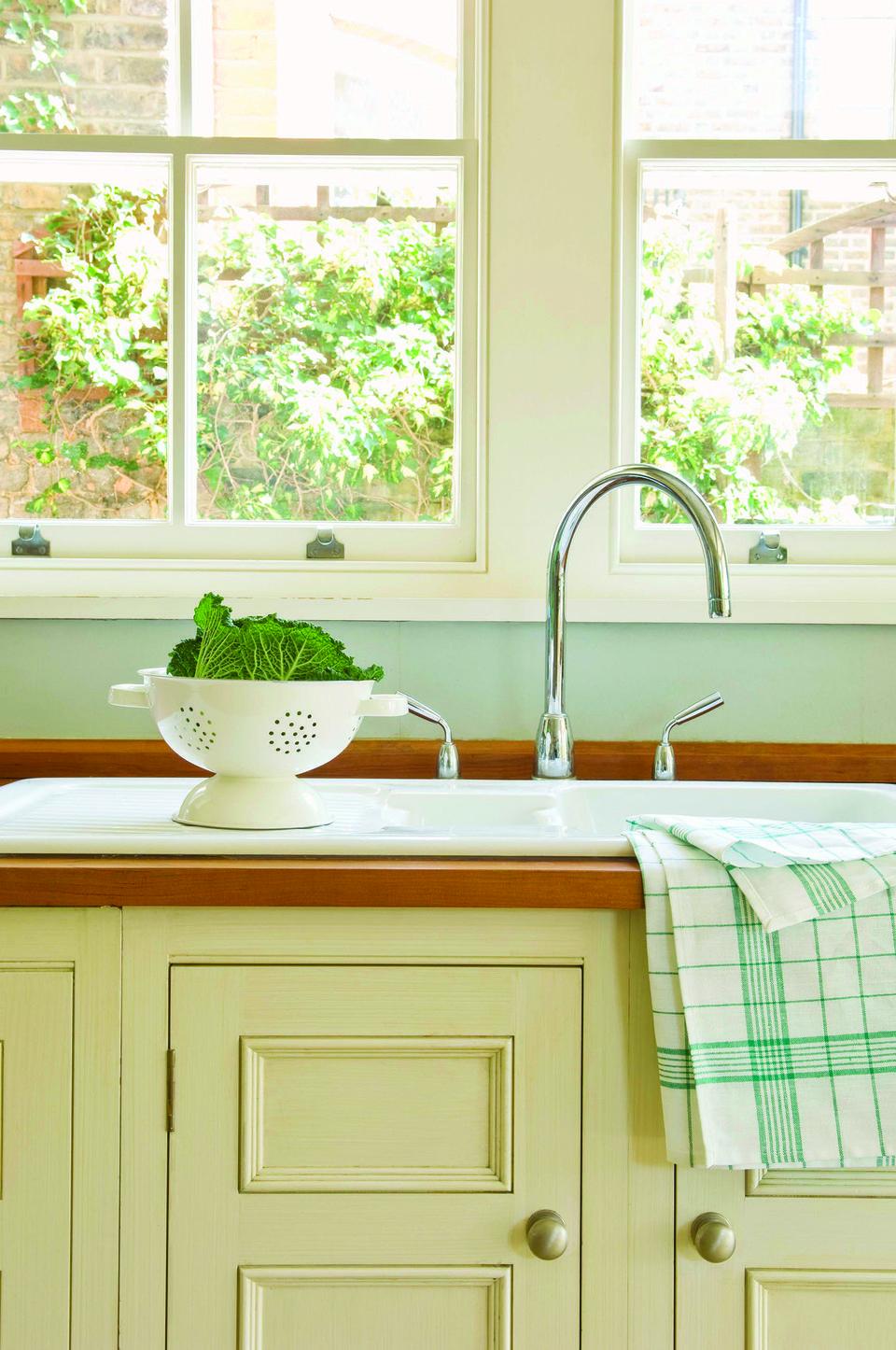 Kitchen Cabinets : Granite Kitchen Cabinets - Hialeah, FL ...
